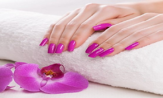 Get fabulous Looking Nails With Dip Powder Manicure!